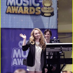 Radio Disney Music Awards performance with Sabrina Carpenter!
