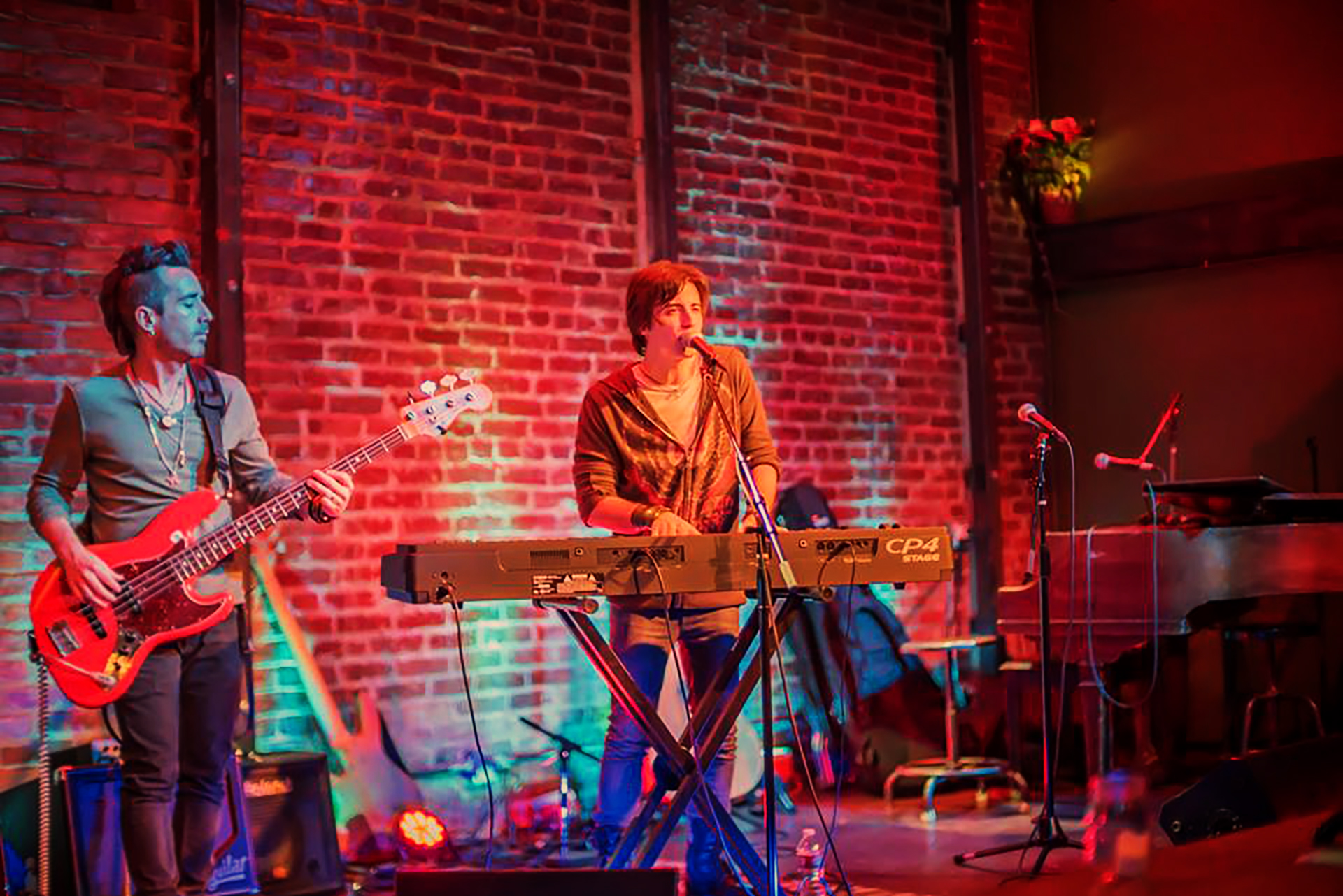 Live at Witzend – link to live dates_ singer-songwriter bio_ videos page_